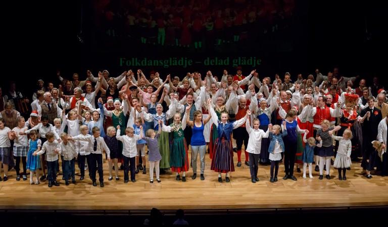 Folkdansglädjes sluttack 2017
